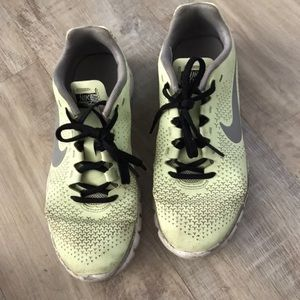 Nike lime green training shoes